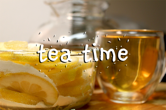 lemon with sugar to tea time
