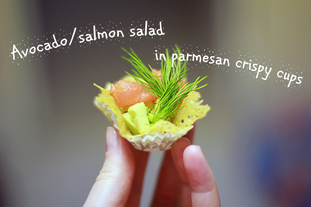 avocado salmon salad in Parmesan crisps, delicious recipe, easy recipe, finger food, one bite salad
