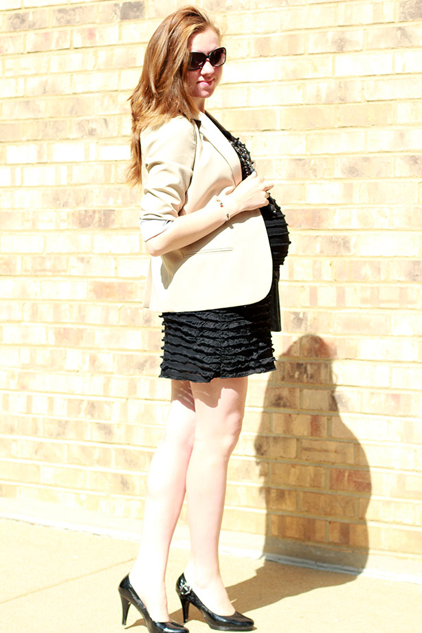 maternity fashion, pregnancy style, maternity wear, 40 weeks pregnant, LBD, blazer