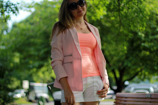 Forever 21 blazer, peach top, white shorts, summer look, walking with the baby