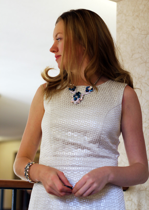 statement necklace, link up, fashion blog, dc in style, banana republic, H&M