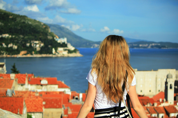 gorgeous view in Croatia, Dubrovnik, H&M striped skirt, selfie top