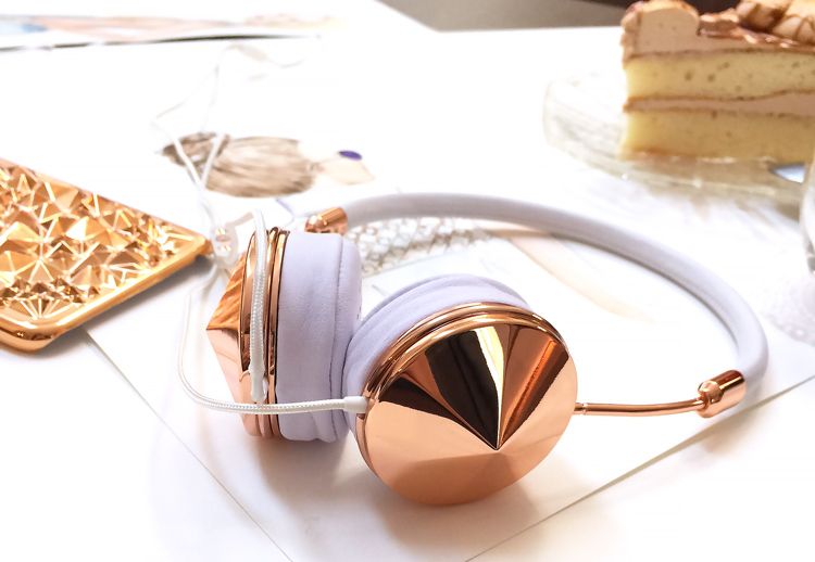 rose gold headphones, pretty gold, DC fashion blog, Elena Fay DC blogger